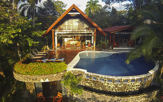 Top benefits of renting manuel antonio luxury villas cr for Costa rica house rental with chef