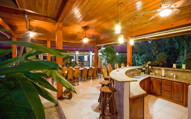 Casa Maravilla outdoor living area