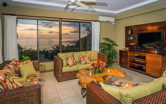 Vista Oceana living room
