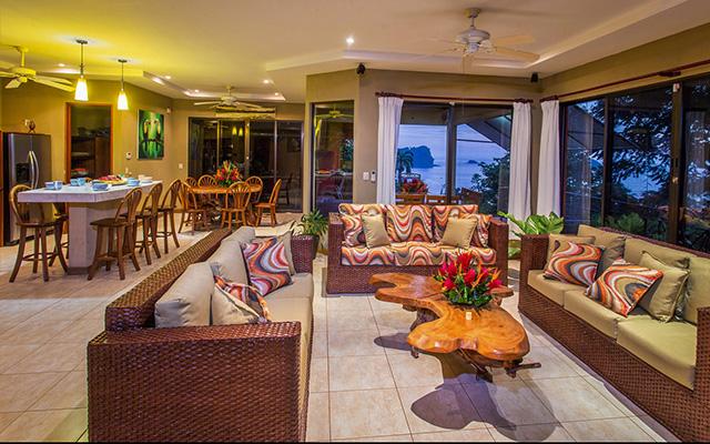 Vista Oceana living & dining rooms