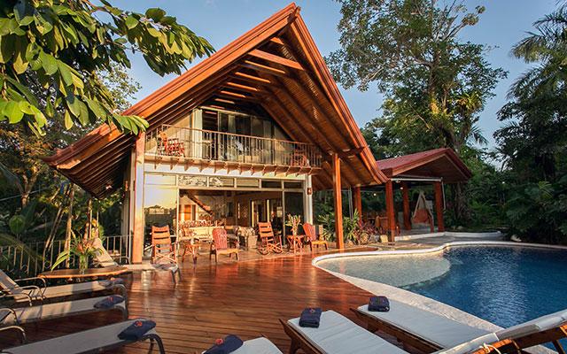 Casa Maravilla expansive deck