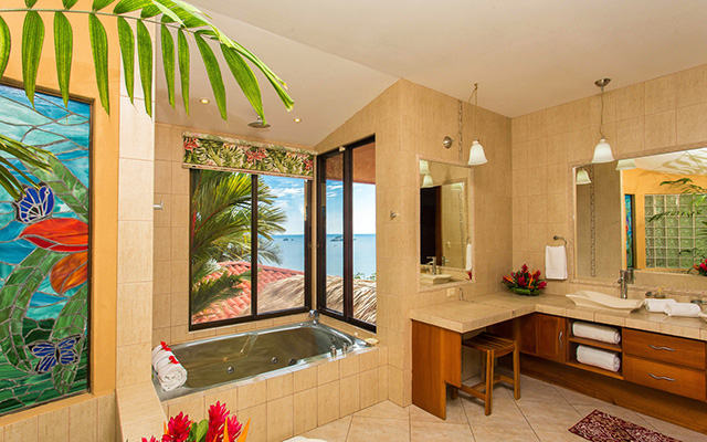 Vista Oceana bathroom