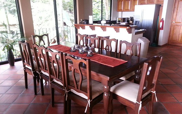 casa maravilla manuel antonio kitchen table