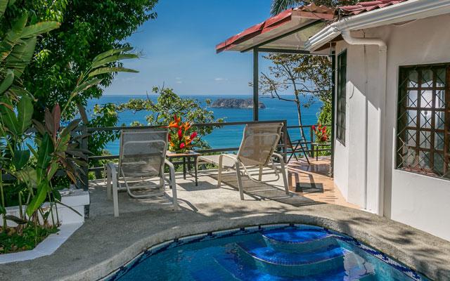 Villa Playa Mono - pool view