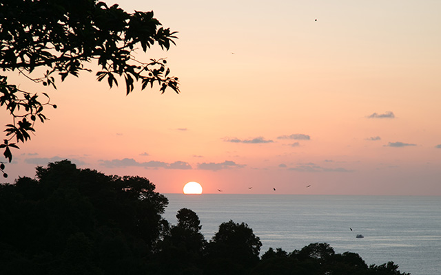 casa maravilla manuel antonio sunset