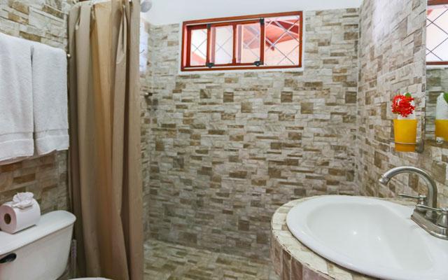 Villa Playa Mono - bathroom