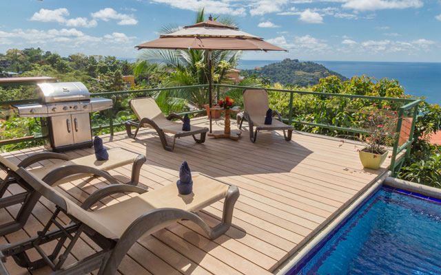 Casa Grande Vista pool view