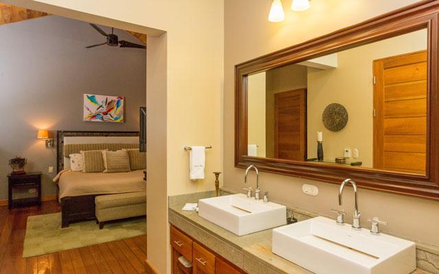 Casa Karma double bathroom