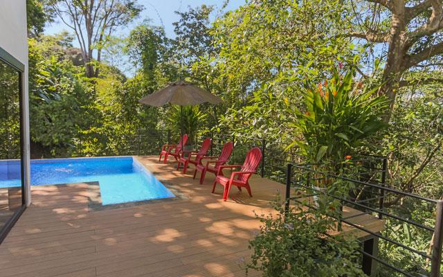Casa Luz pool and deck