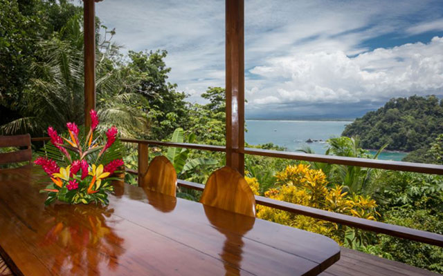 Casa-Pura-Paz-dining-view