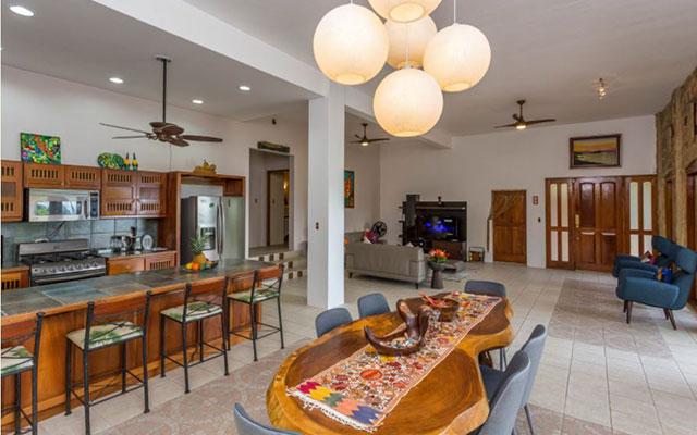 Casa-Pura-Paz-kitchen-dining-living-rooms1