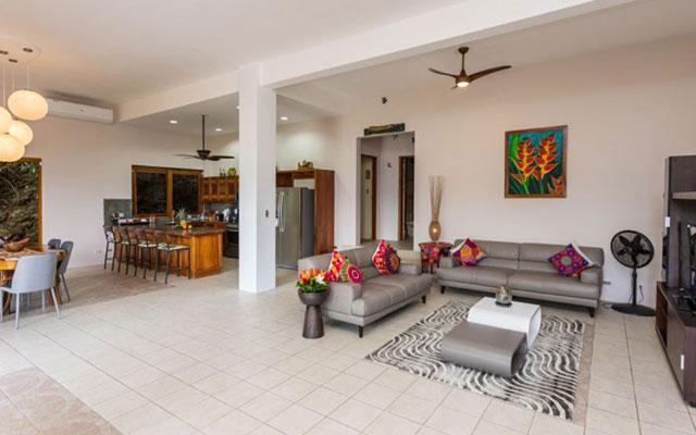 Casa-Pura-Paz-living-room-1