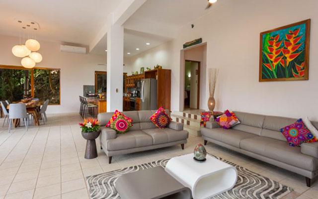 Casa-Pura-Paz-living-room