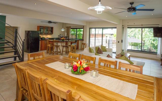 Casa Tipoha dining room