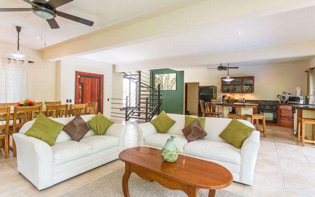 Casa Tipoha living room