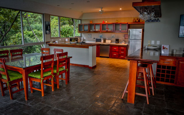 Casa-de-los-Suspiros-kitchen-and-dining