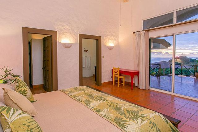 Manuel Antonio Vacation Rental VP Private Resort first master bed