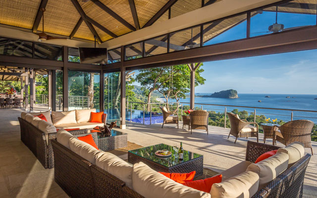 Manuel antonio luxury villas vacation rental villas for Costa rica house rental with chef