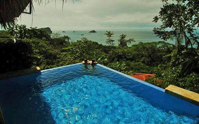 Vista Oceana infinity pool