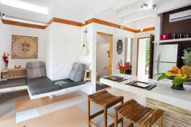 Manuel Antonio Home Rentals: Espadilla Ocean Club interior seating