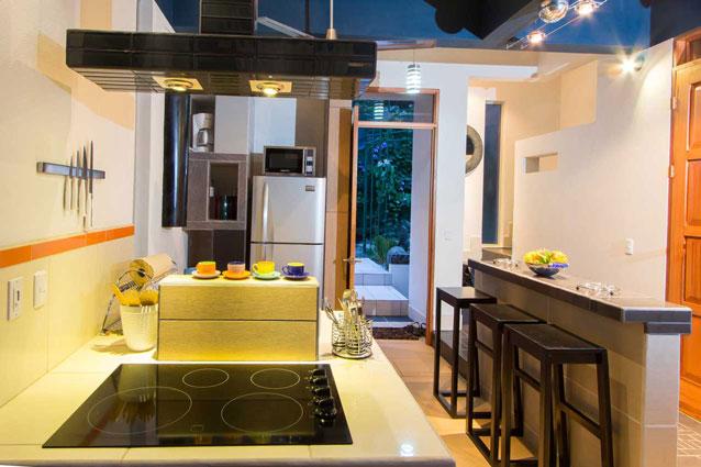 Manuel Antonio Home Rentals: Espadilla Ocean Club kitchen view 3