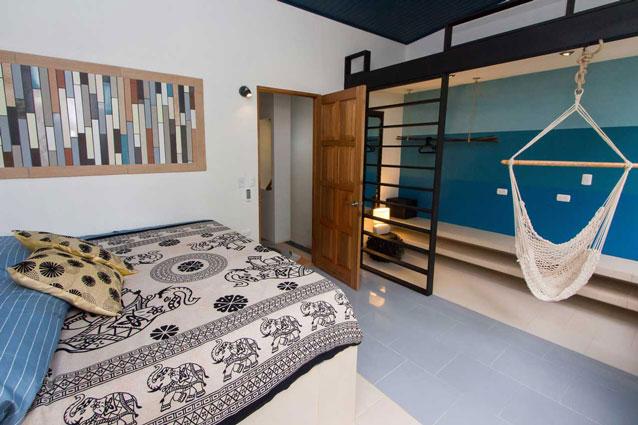 Manuel Antonio Home Rentals: Espadilla Ocean Club bed