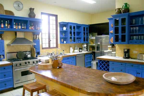 Manuel Antonio Rentals: Villa Vigia kitchen 2