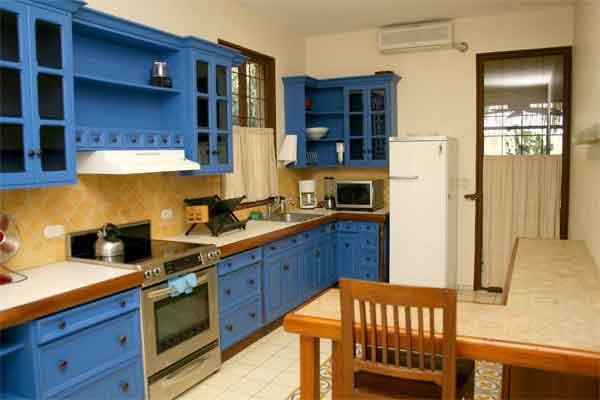 Manuel Antonio Rentals: Villa Vigia kitchen