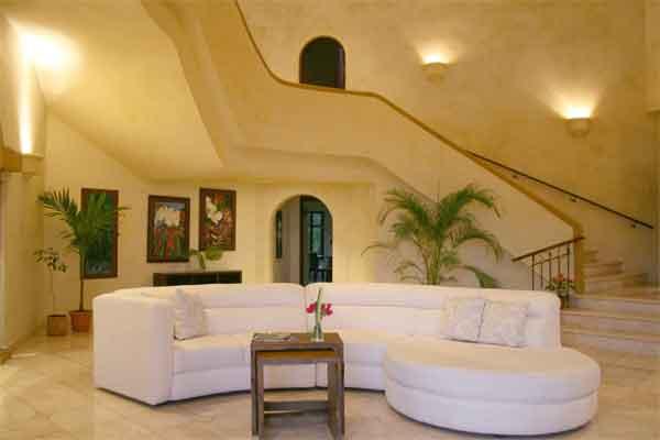 Manuel Antonio Holiday Rentals: Villa Vigia living 2