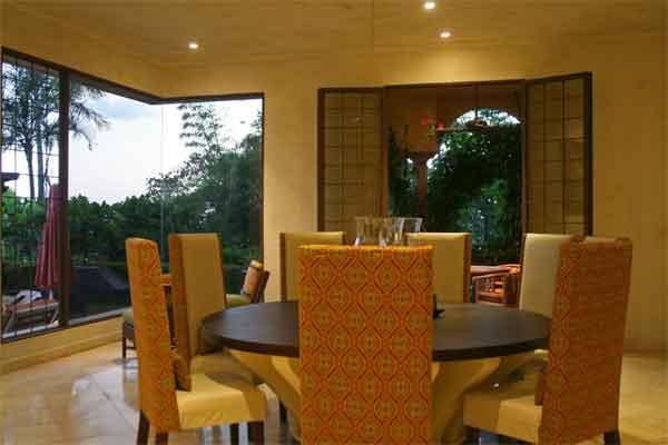 Manuel Antonio Holiday Rentals: Villa Vigia dining 3