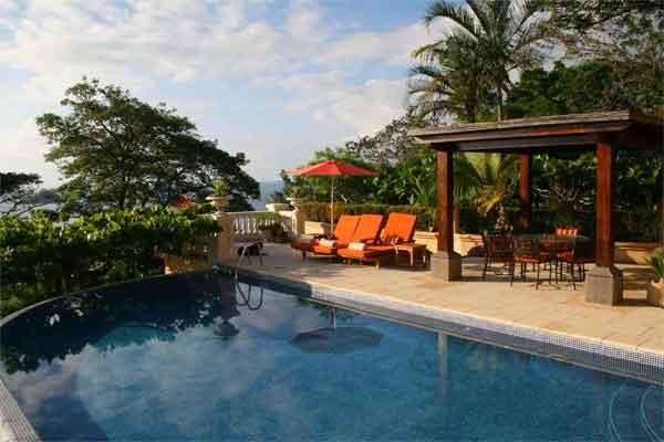 Manuel Antonio Rentals: Villa Vigia pool deck
