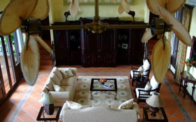 Manuel Antonio Vacation Villas: Casa Carolina living area