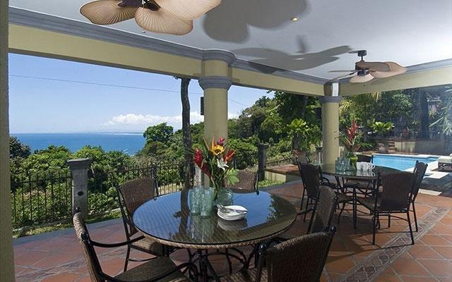 Manuel Antonio Estate homes: Casa Carolina outdoor dining