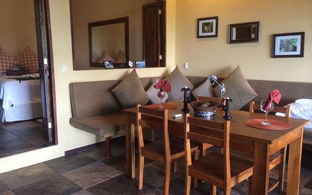 Villa Vista del Mar dining