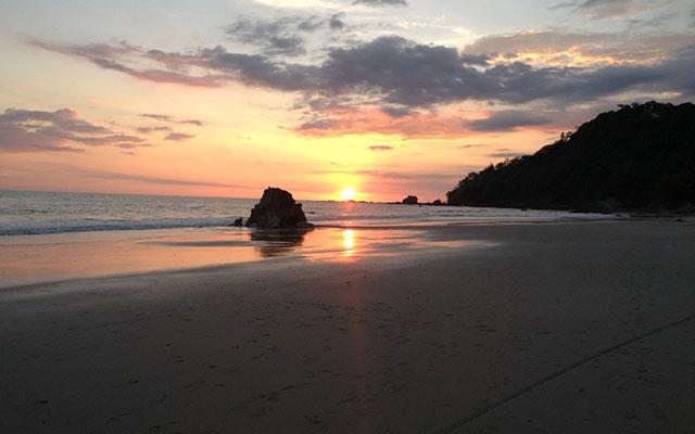 Villa Vista del Mar walk to beach sunset