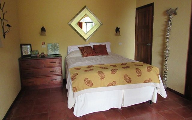 Villa Vista del Mar queen bedroom