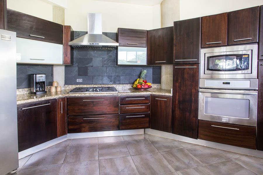 Villa Perezoso kitchen