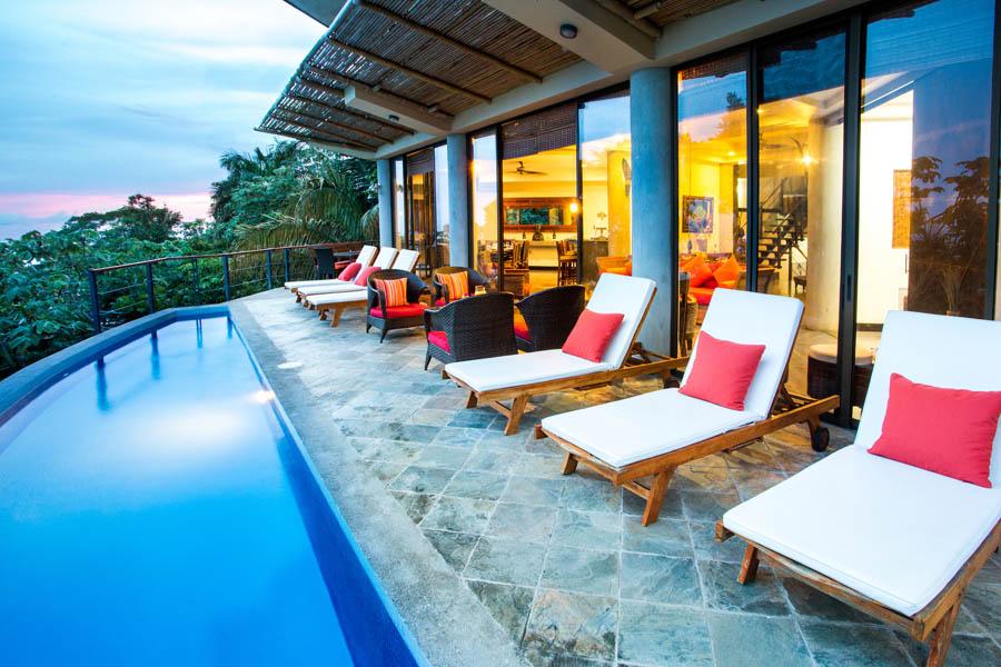 Villa Perezoso pool