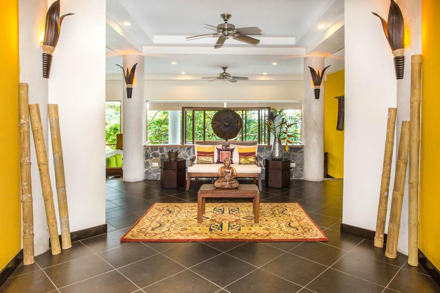 Villa Perezoso master suite