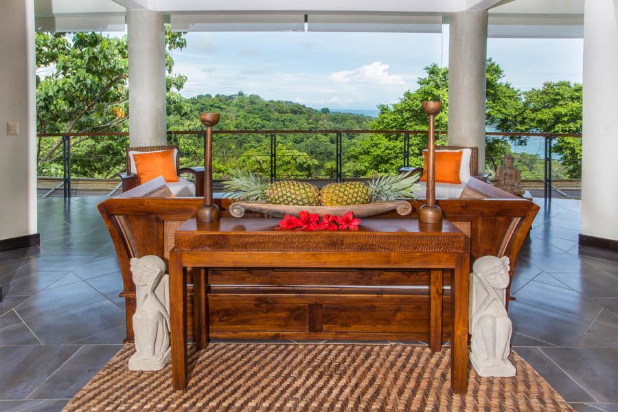 Villa Perezoso penthouse living room