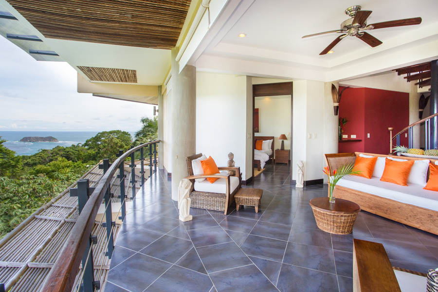 Villa Perezoso penthouse livingroom