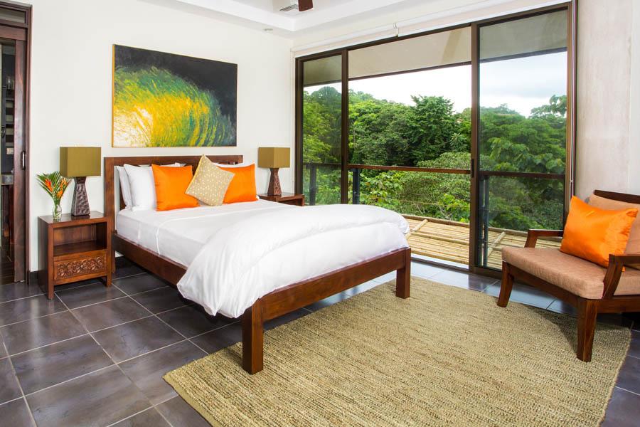 Villa Perezoso penthouse bedroom 2