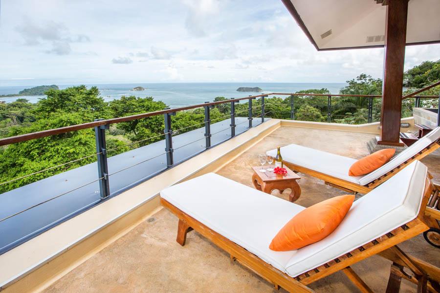 Villa Perezoso penthouse deck
