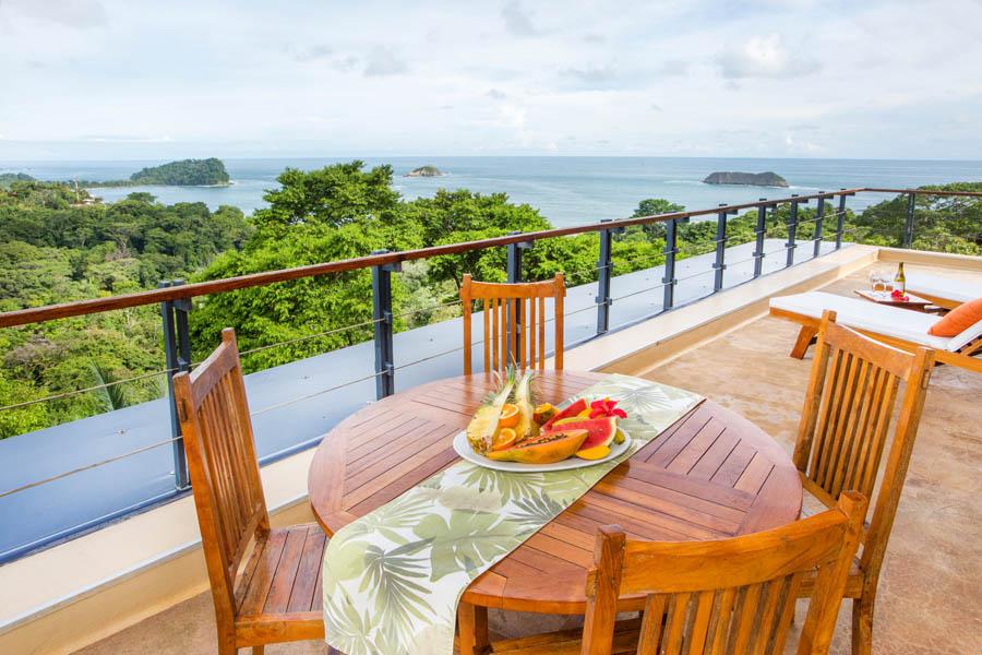 Villa Perezoso penthouse outdoor dining