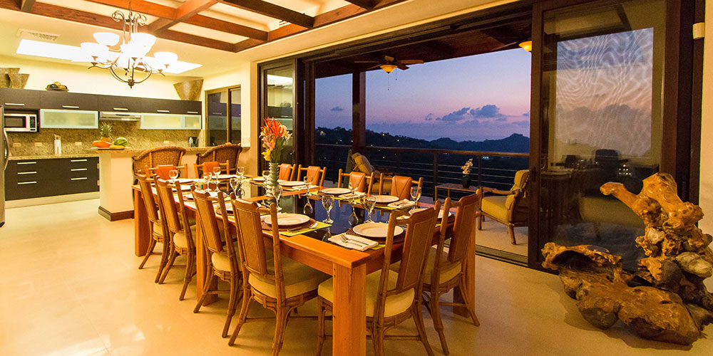 Villa Celaje dining and view