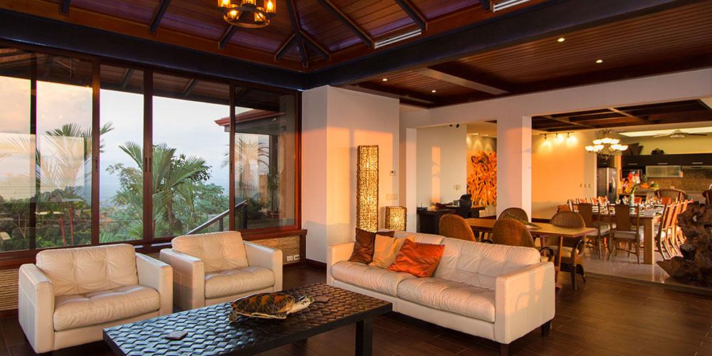 Villa Celaje living room