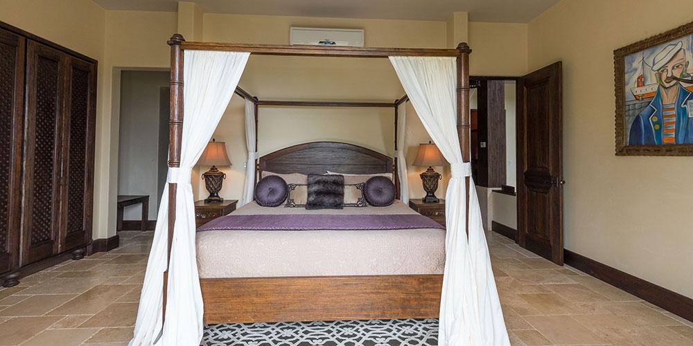 Villa Marbella bedroom