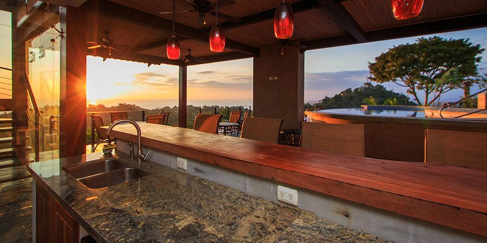 Villa Celaje outdoor bar