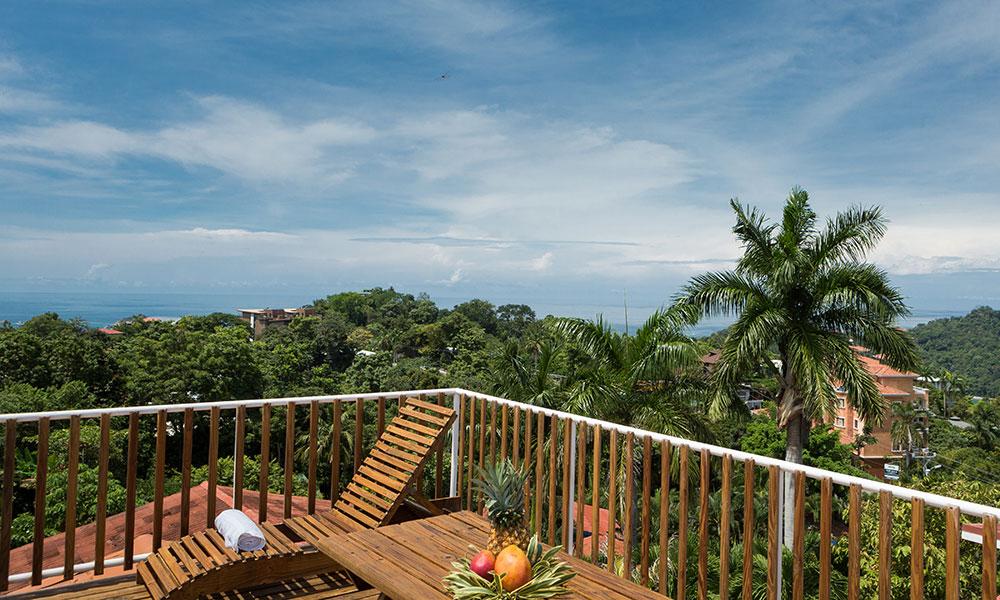 Casa Alta Vista deck view