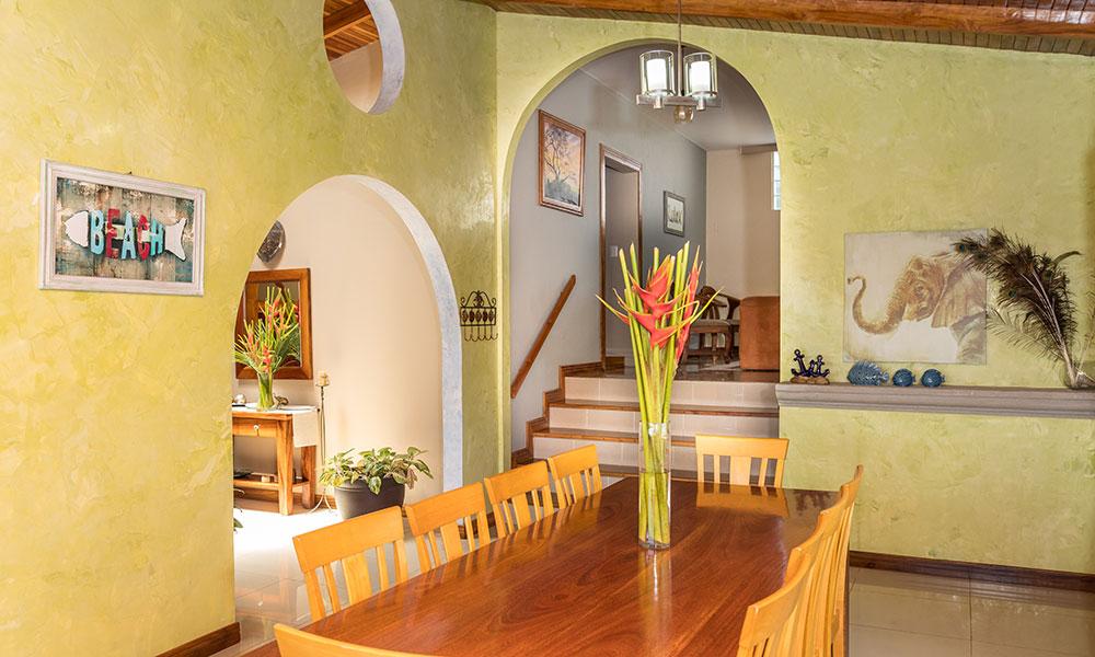 Casa Alta Vista dining room